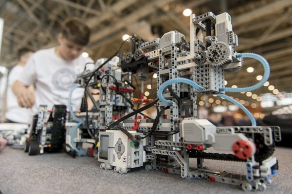 LEGO Education выступит партнером X Всероссийского робототехнического фестиваля «РобоФест»